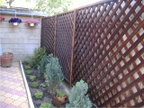 Garduri si pergole - Gard din lemn cu zabrele 2