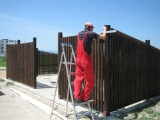 Mobilier urban - boxe exterioare din lemn culoare mahon 3