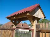 Produse din lemn pentru amenajari exterioare - acoperis in doua ape pentru poarta 3