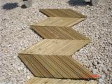 Produse din lemn pentru amenajari exterioare - pardoseala exterioara zig zag
